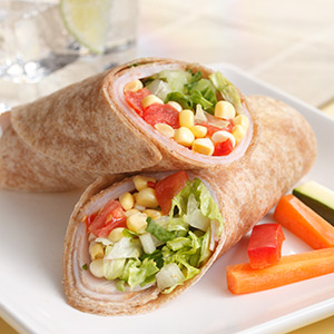 Wraps met kalkoen(filet) en tomaat