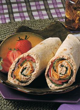 Wraps met zalm, roomkaas en sla