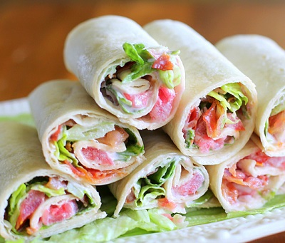 Wraps met bacon en tomaat